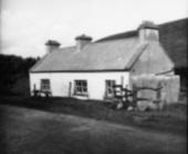 Das Cottage von Heinrich Böll auf Achill-Island von der Seite des Goethe-Institut