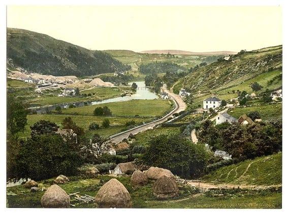 Vale of Avoca - Pictures of Ireland