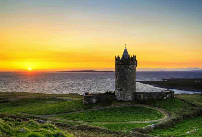 doonagore_castle - visit Ireland