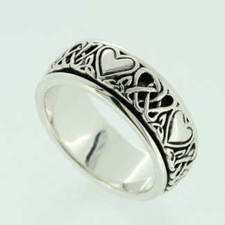 ladies_spinning_heart_knot_ring