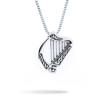 small_irish_harp_with_shamrock