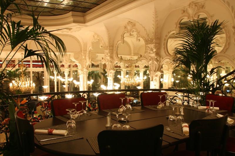 restaurant-moulins-le_grand_cafe1
