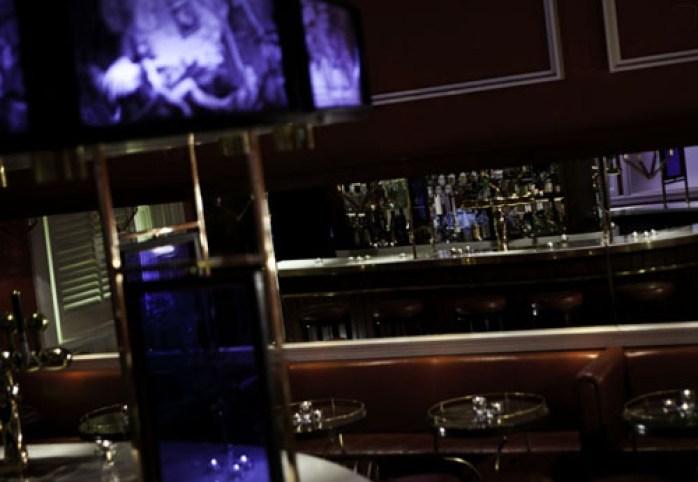 Le Bar Oval dit Horseshoebar