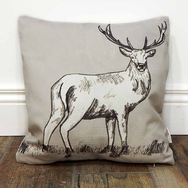 deer-cushion_600