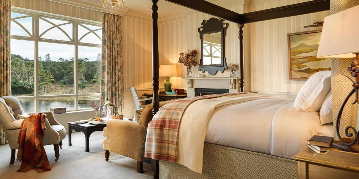 Ballynahinch Luxury Bedroom_1