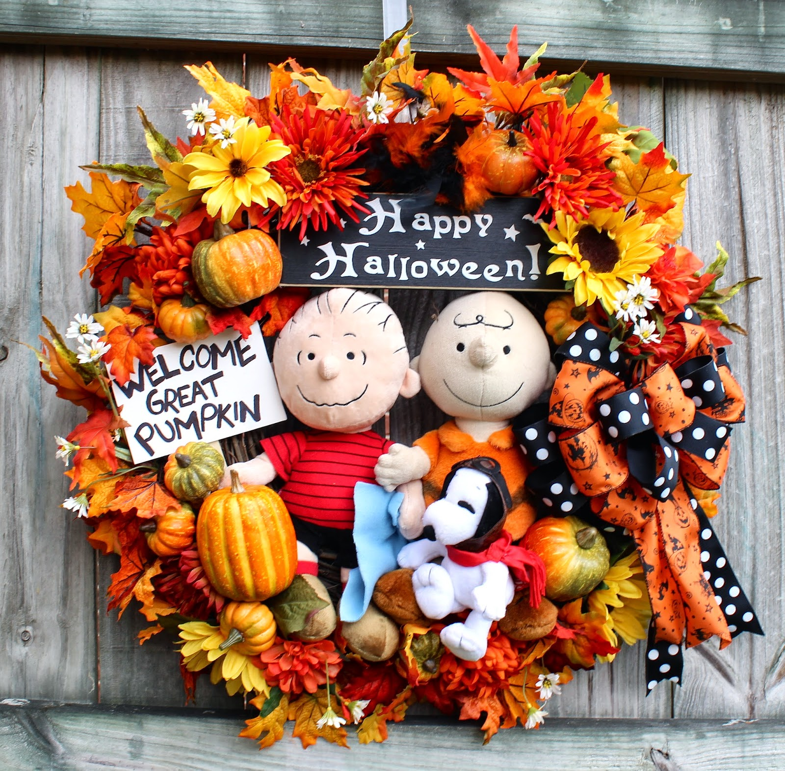 Great Pumpkin Charlie Brown Halloween Wreath Large Peanuts Snoopy Linus Happy Sign Black Sunflowers Red Baron