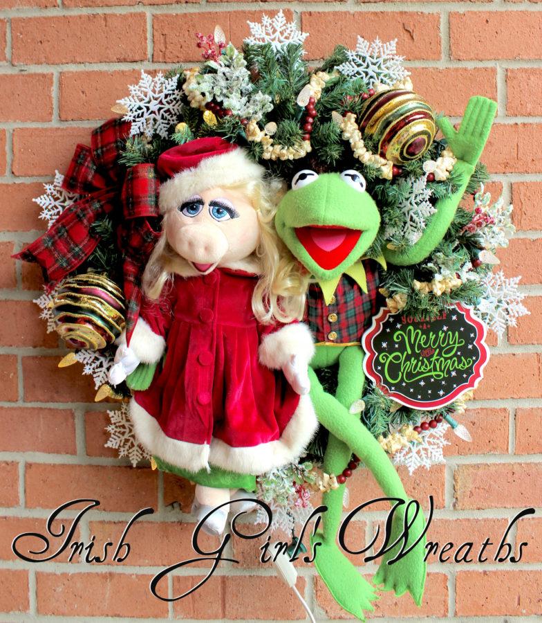 Kermit the Frog & Miss Piggy Merry Little Muppet Christmas Wreath