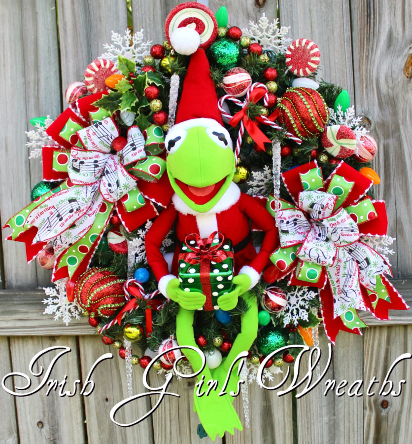 Santa Kermit the Frog Pre-lit Muppet Christmas Wreath