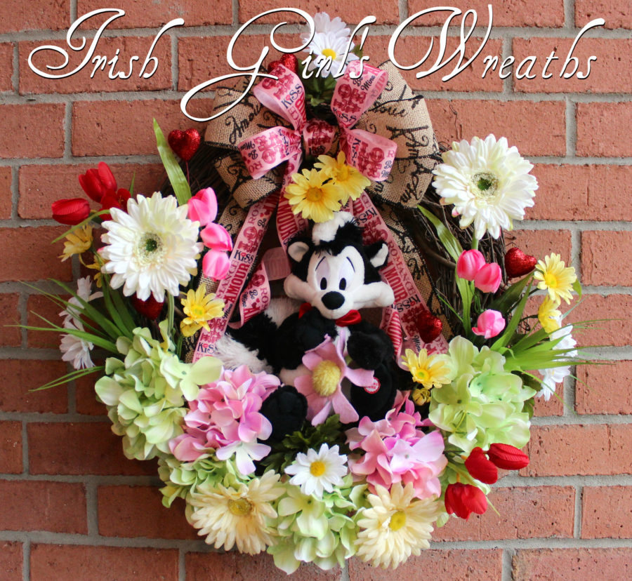 Talking Pepe Le Pew I Pick You Valentines Wreath