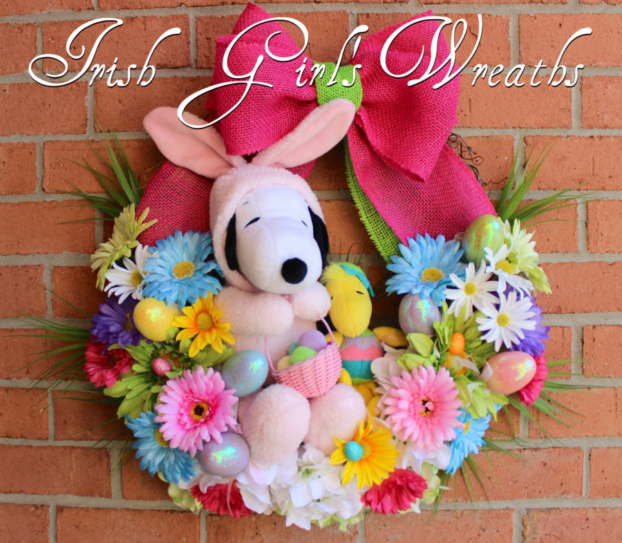 Peanuts Easter Beagle Snoopy and Woodstock Easter Wreath
