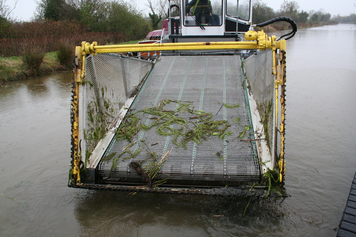 Modern canal weed-boat 1