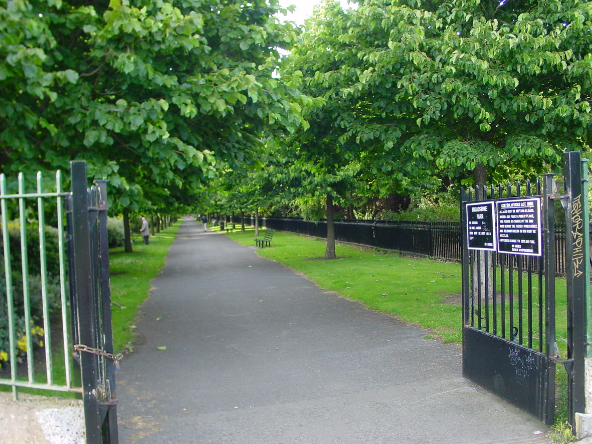 Looking north along the linear park from Geraldine Street