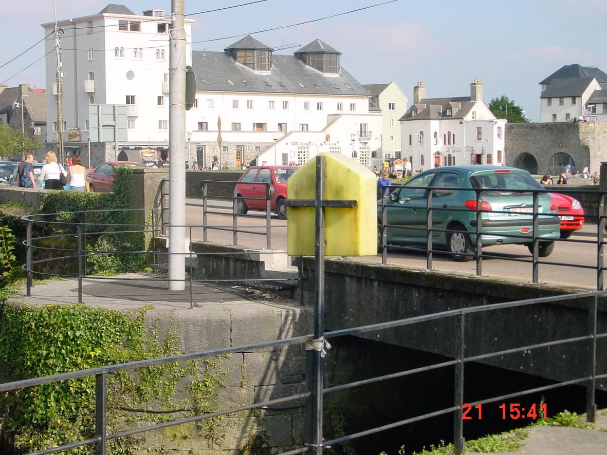 A better view of the bridge itself
