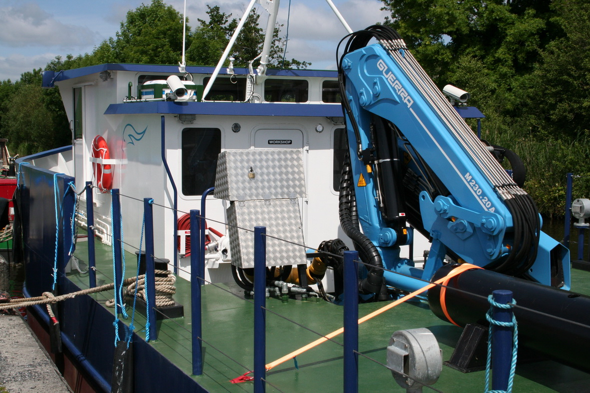 The workshop is lower than the wheelhouse to allow a view over its roof