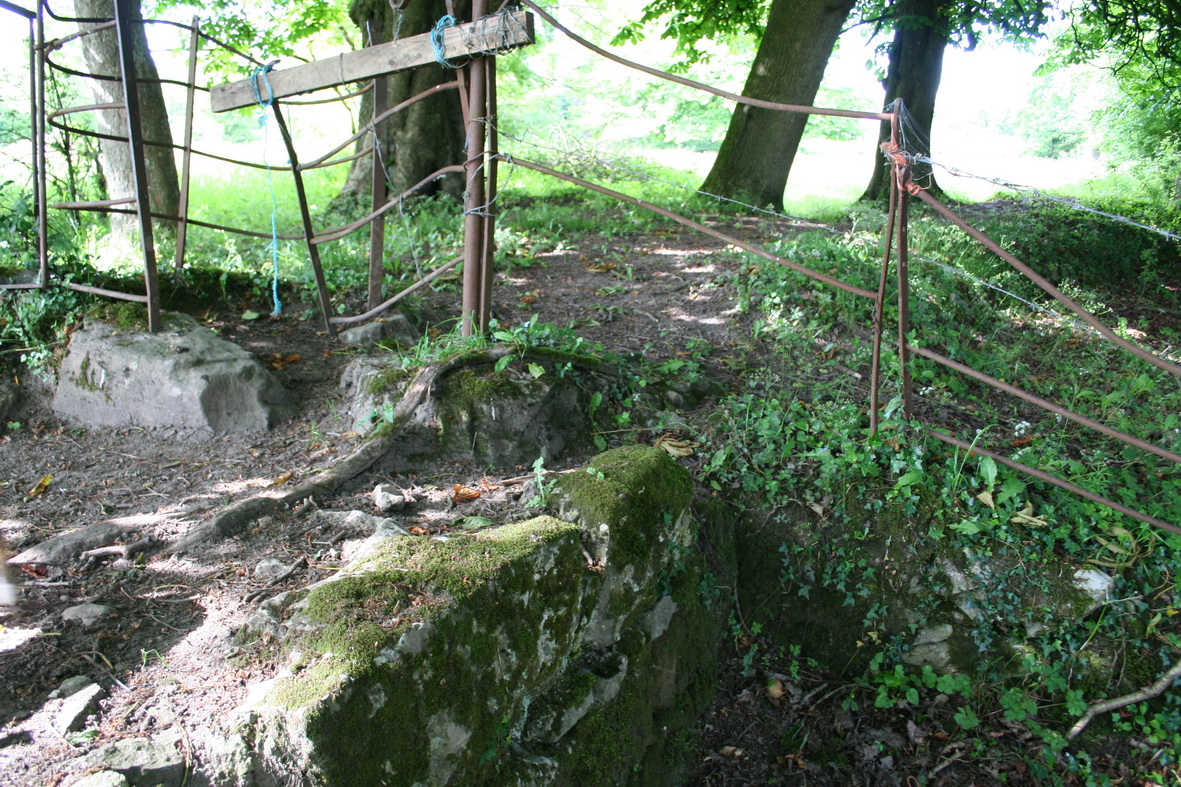 The stone walls 2