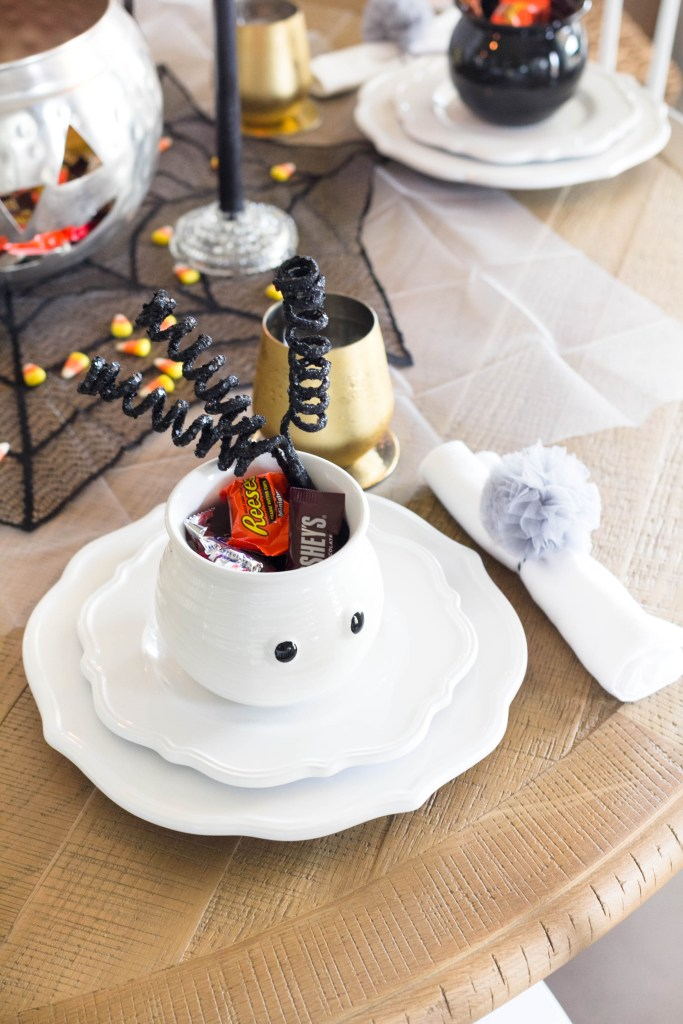 halloween-table-setting-irisnacole-com-Budget