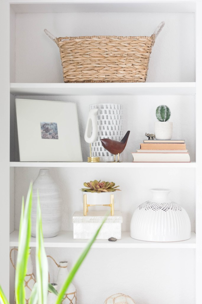Bookcase Styling-Neutrals-IrisNacole