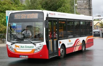 Bus Eireann poszukuje nowych kierowców, kusząc atrakcyjnym wynagrodzeniem