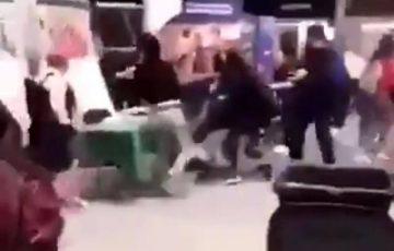 Student dźgnięty nożem przez okrutny nastoletni gang na targach w Dublinie [WIDEO]
