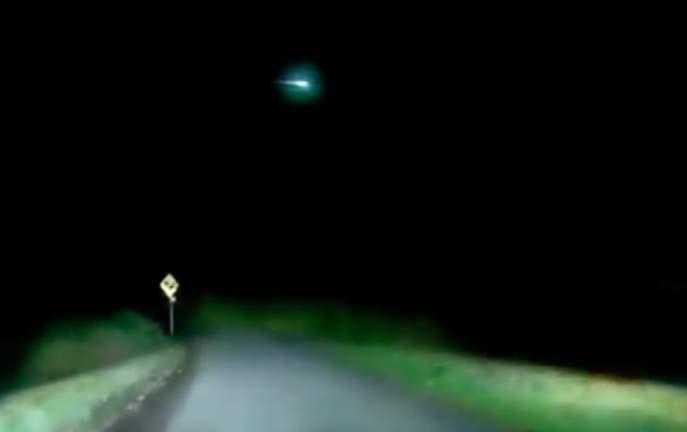 Irlandczyk z Cork przypadkowo nagrał przelatujący nisko meteor [WIDEO]