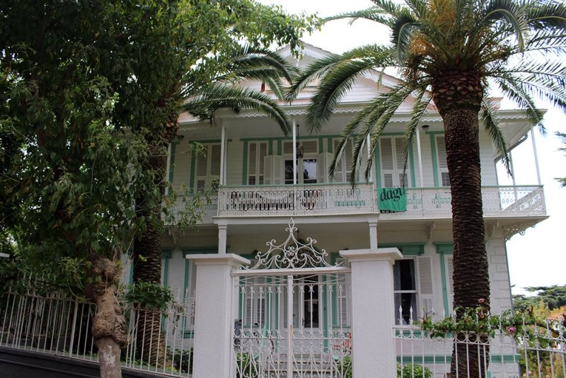 The Prince Islands: how to get, places to see, things to do | Mansion on Büyükada