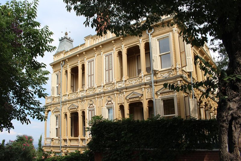 The Prince Islands: how to get, places to see, things to do   Mansion on Büyükada