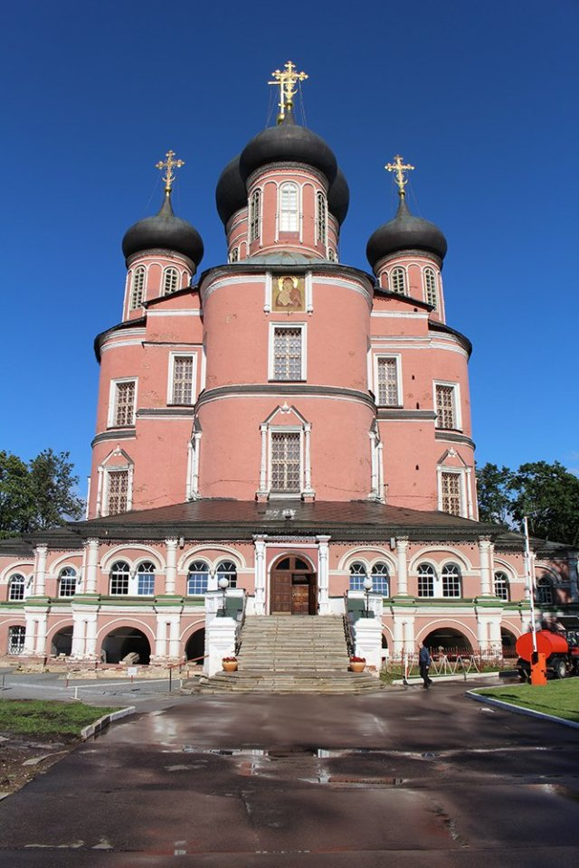 Top 10 places to see in Moscow, Russia | Donskoy Monastery