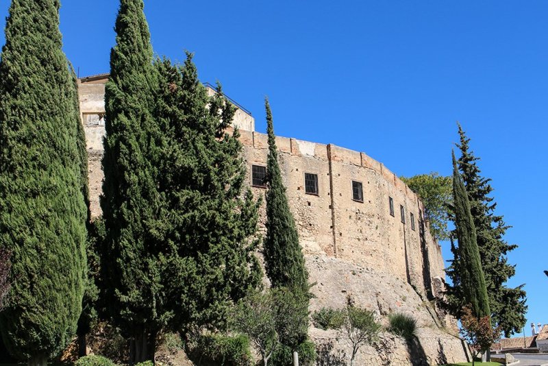 3 weeks of solo travel in Spain, Part 5: 1 day trip to Ronda | Ruins of the Alcazaba