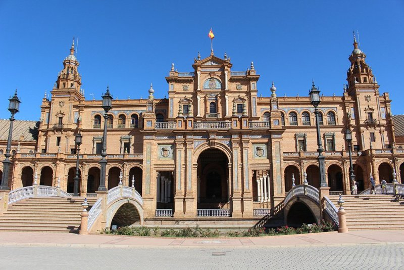 3 Weeks of Solo Travel in Spain, Part 6: 3 days in Seville | Plaza de Espana