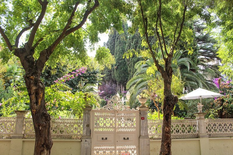 Один день на Бююкада, Принцевы острова, Стамбул | Сады на улице Чанкайя