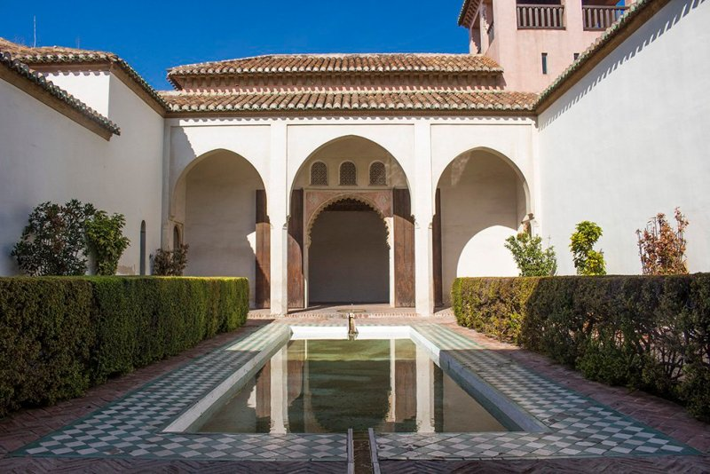 3 Weeks of Solo Travel in Spain: What to do in Malaga | The Palace inside the Alcazaba
