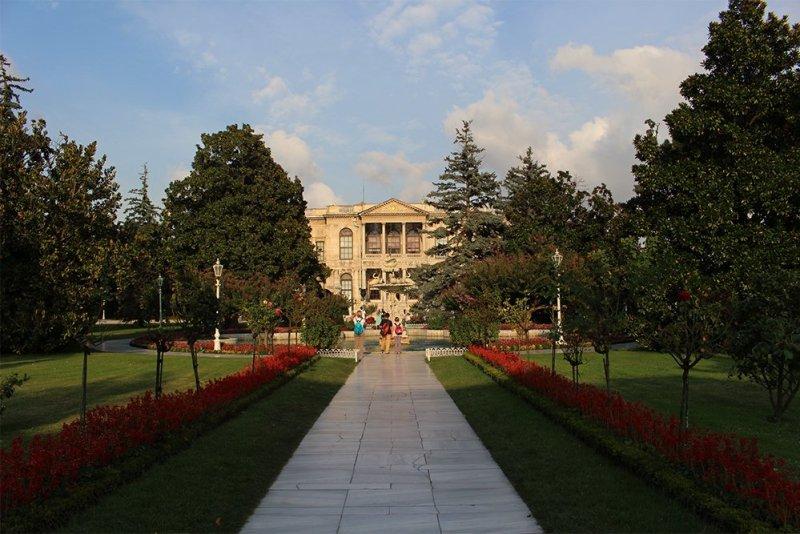 Что посетить в Стамбуле   Дворец Долмабахче