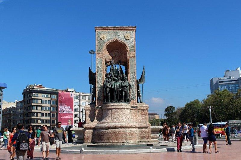 Что посетить в Стамбуле   Площадь Таксим