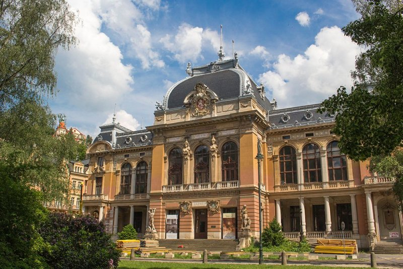 A day trip from Prague: what to do in Karlovy Vary | Imperial baths