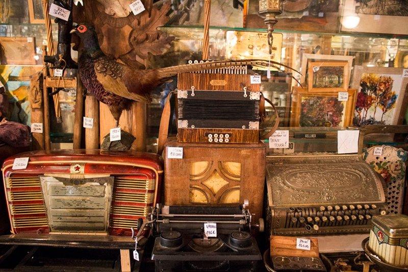 A day trip from Prague to Cesky Krumlov Castle   The antique shop
