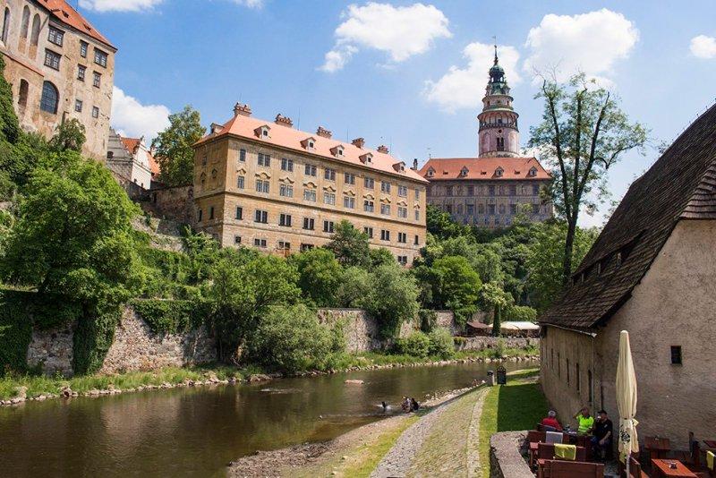 A day trip from Prague to Cesky Krumlov Castle   View of Cesky Krumlov Castle from the island