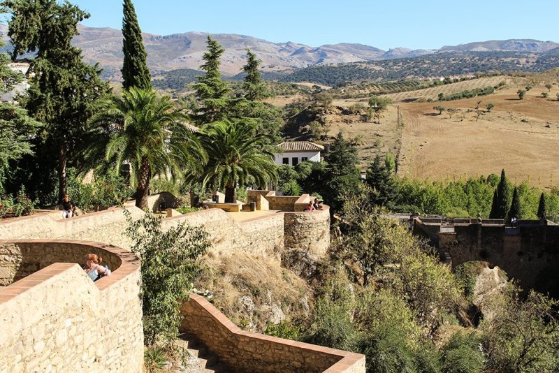 A 2-weeks DIY tour: Andalusia itinerary by bus | Cuenca Gardens in Ronda