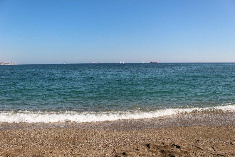 A 2-weeks DIY tour: Andalusia itinerary by bus | La Malagueta beach in Malaga