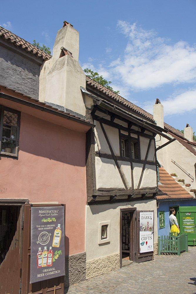 Что посмотреть в Праге: Золотая улочка в Пражском граде