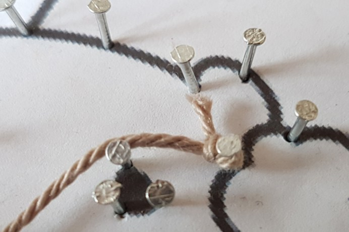 spijkerkunst-pietje-knutselen-met-sien-en-co-knutselblog-irma-ten-napel-beginnen