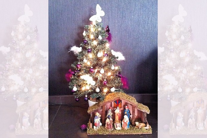 Kerstboom met stalletje