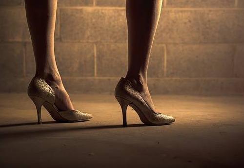 repot sepatu hak tinggi bisnis cepat untung irma vania moment