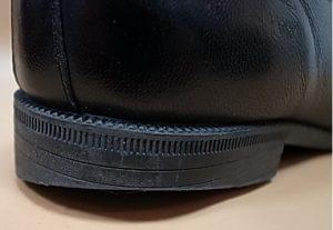 靴屋に聞いた『かかとの外側が減る意外な原因』と補修方法