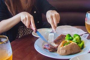 ステーキ ナイフ 使い方