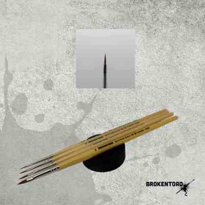 Spear Head Brush No 000