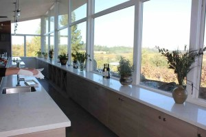 Iron Hub Winery Tasting Room Bar