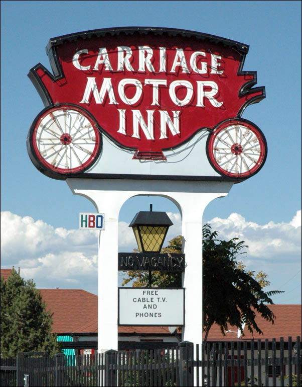 Carriage Motor Inn