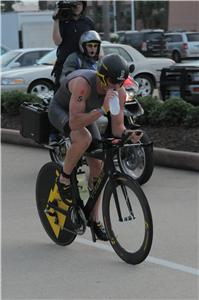 Ironman pro Lance armstrong on Texas bike course