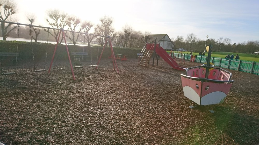 Willen Lake Review | Milton Keynes, Buckinghamshire | Free Time with the Kids