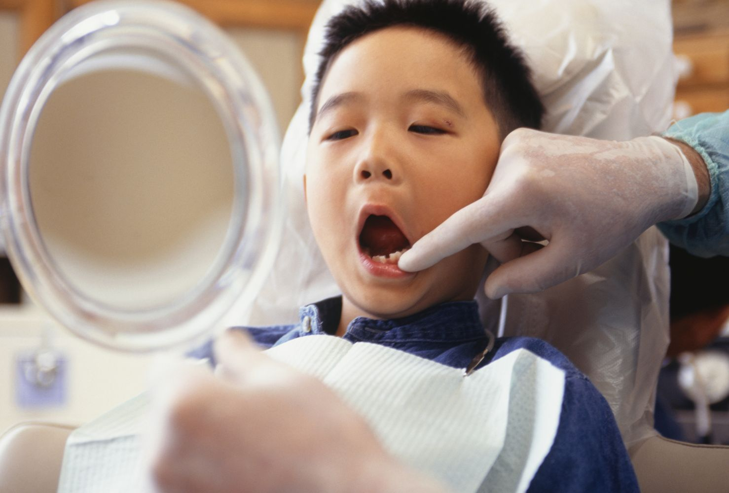 Tips For Preparing Your Child For Their First Family Dentist Visit
